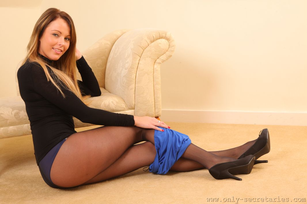 Curvy leg babe Lacey Jay from Only Secretaries