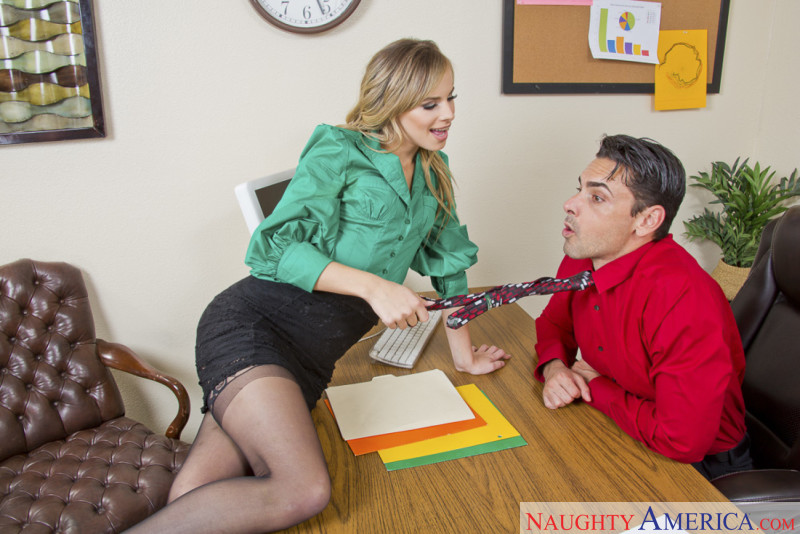 Naughty America Jillian Janson in Naughty Office