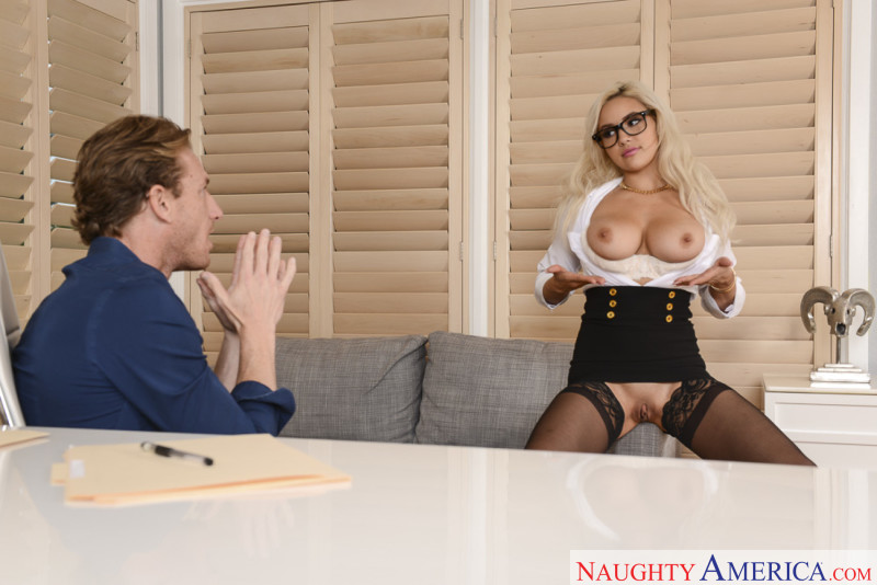 Naughty America Kylie Page in Naughty Office